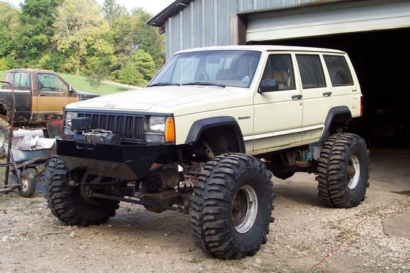 Attachment on 1995 Jeep Grand Cherokee Lifted