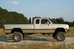 Name:  93 Cummins 6 inch lift.jpg