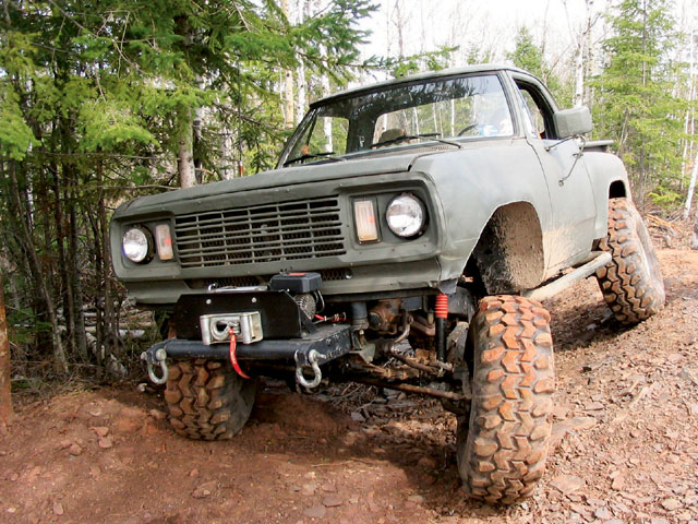 Name:  131_0605_09_z+1977_dodge_power_wagon+front_view.jpg
