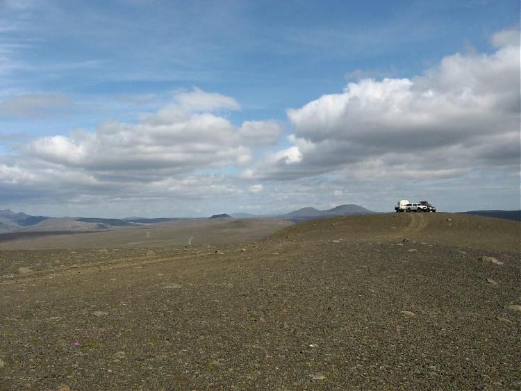 Name:  Island 2007-1 090-biler på toppen.jpg Views: 6287 Size:  58.8 KB