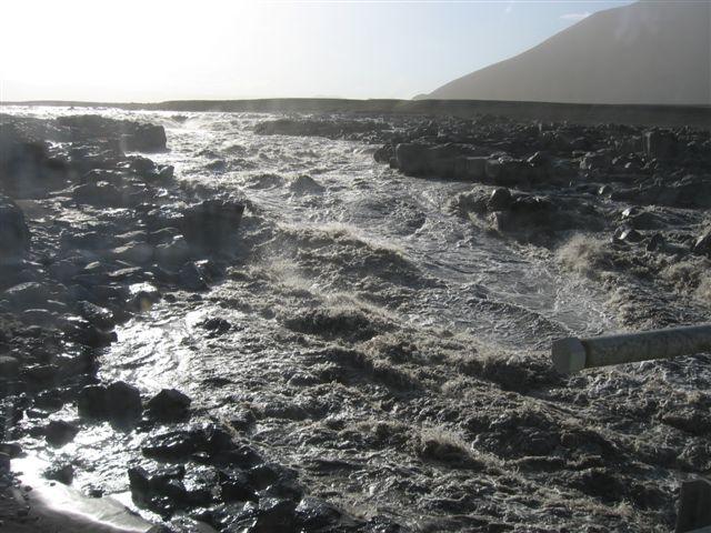 Name:  Island 2007-1 165-Brummende elv i lavalandskap.JPG Views: 5927 Size:  72.7 KB