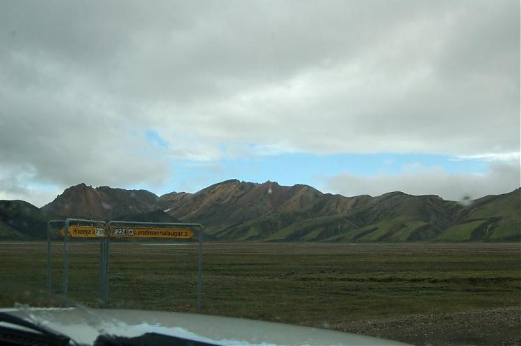 Name:  DSC_0206 skilt landmannalaugar.jpg Views: 4823 Size:  32.5 KB