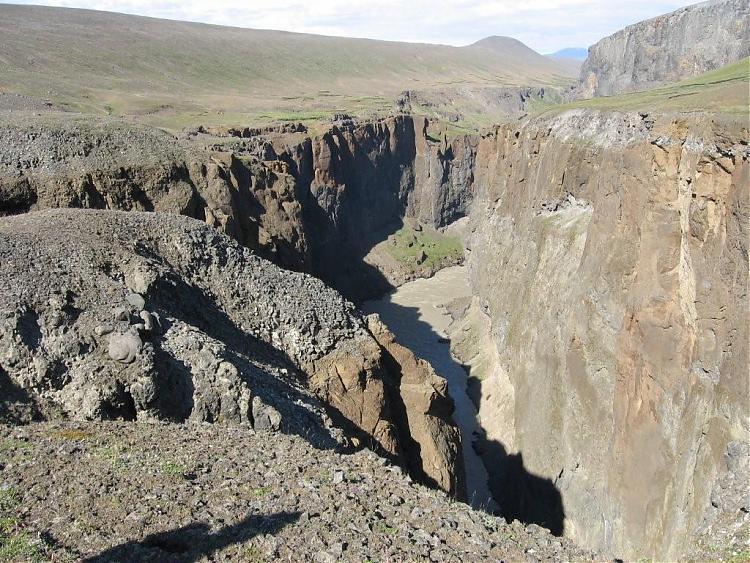 Name:  Island 2007-1 120-Canyon1.jpg Views: 6144 Size:  118.9 KB