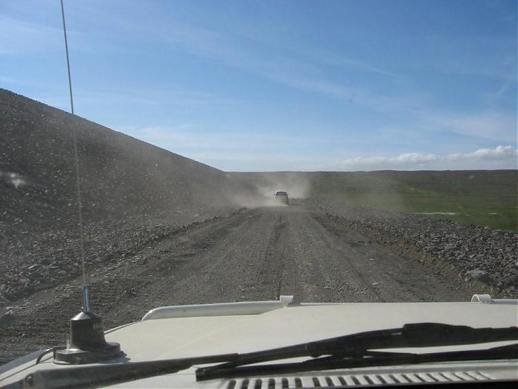 Name:  Island 2007-1 140-kjøre på demning.jpg Views: 5945 Size:  49.6 KB