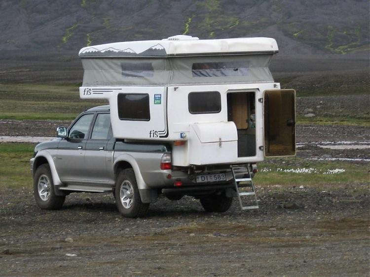 Name:  Island 2007-1 043-LeieL200camper.jpg Views: 6674 Size:  63.3 KB