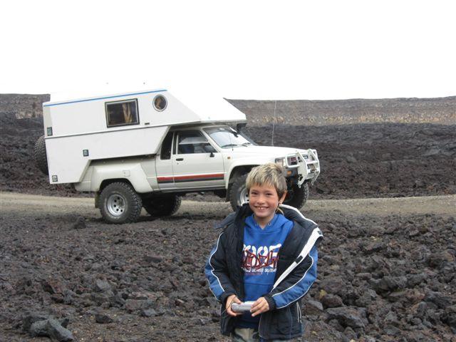 Name:  Island 2007-1 245- 87Lux i lavalandskap m Leo.JPG Views: 5076 Size:  53.5 KB